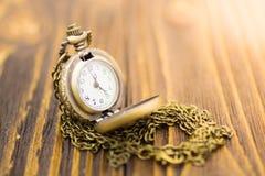 Zegar pokazuje aktualnego czas Wizerunku use dla czasu nigdy czeka Obraz Stock