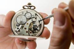 Kieszeniowego zegarka naprawa. Obrazy Stock