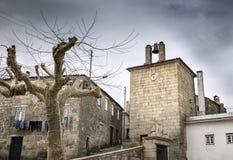 Zegarowy wierza na chmurnym dniu w Celorico da Beira Obraz Stock