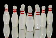 Zehn Bowlingspielstifte Stockfotos