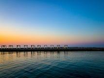 Zehn Gazebos auf dem Pier stockfotos