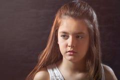 Zehn Jahre alte Mädchenaufstellung Stockbilder