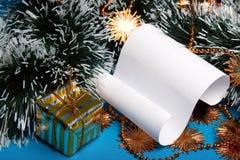 Zeichen auf den Weihnachtsdekorationen. Lizenzfreie Stockbilder