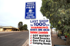 Zeichen bei Penong, Australien Lizenzfreie Stockbilder