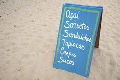 Zeichen, das brasilianisches Strand-Snack-Lebensmittel annonciert Lizenzfreies Stockfoto