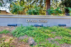 Zeichen De Anza College Stockbilder
