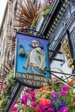 Zeichen an Diakon Brodies-Taverne in Edinburgh, Schottland lizenzfreies stockfoto