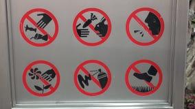 Zeichen, die unterschiedliche verbotene Ikone tun in der Zoologie stock footage