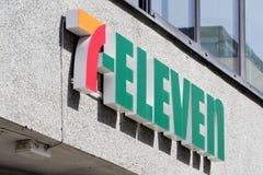Zeichen 7-Eleven an der Niederlassung Lizenzfreie Stockfotos