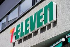 Zeichen 7-Eleven an der Niederlassung Lizenzfreie Stockbilder