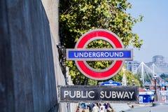 Zeichen für das London Untertage Lizenzfreie Stockbilder