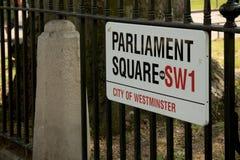 Zeichen für Parlaments-Quadrat, London, Vereinigtes Königreich Lizenzfreie Stockfotos
