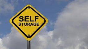 Zeichen für Selbstspeicheranlage stock video footage