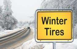 Zeichen für Winterreifen Lizenzfreie Stockbilder