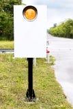 Zeichen Zeichen für Zug in der Landschaft in der Ra ausbilden und aufspüren Lizenzfreies Stockbild
