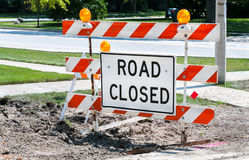 Zeichen-Klipppfad der Straße geschlossener Lizenzfreie Stockfotos