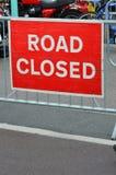 Zeichen-Klipppfad der Straße geschlossener Stockbilder