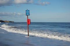 Zeichen in Meer Stockfoto