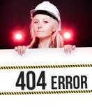 Zeichen mit 404 Fehlern auf Informationsplakat, Arbeitskraftfrau Stockfoto