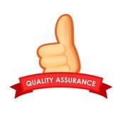 Zeichen-Qualitätssicherung - Emblem mit dem Daumen oben Stockfotos