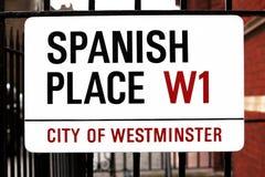 Zeichen-spanischer Platz in London, GB Stockfotografie