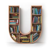 Zeichen U Alphabet in Form von Regalen mit den Büchern an lokalisiert Lizenzfreies Stockbild