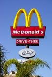 Zeichen von McDonalds-Restaurant in Pahpos Stockbilder