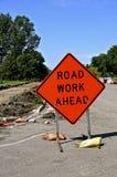 Zeichen von Straßenarbeiten voran stockfoto