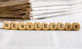 Zeichen würfelt Konzept: Newsletter Stockbilder