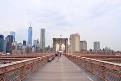 Zeichen, Ziegelsteine, nahe der Brooklyn-Brücke Stockfotos