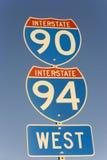 Zeichen zwischenstaatlichen von 90 und von 94 Stockbild