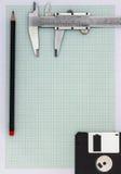 Zeichenpapier mit Maßeinteilung mit Bleistift Stockfoto