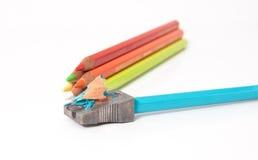 Zeichenstifte und Bleistiftspitzer Stockbilder