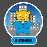 Zeichentrickfilm-Figur - Katzengeschäftsmann mit Wolkenkratzern in der Rückseite Lizenzfreies Stockfoto