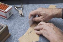 Zeichnen des Entwurfs der Teile einer hergestellten Jacke Lizenzfreies Stockbild