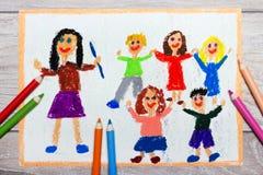 Zeichnen: lächelnder Lehrer und ihre Studenten lizenzfreie stockbilder