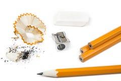 Zeichnen Sie mit Bleistiftschnitzeln und -bleistiftspitzer mit Radiergummi an Lizenzfreies Stockbild