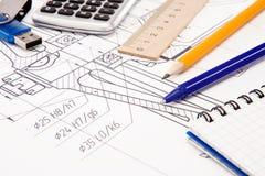Zeichnen Sie, Speicherblinken und Notizbuch auf dem Entwurf an Lizenzfreie Stockbilder