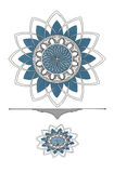 Zeichnende dekorative Deckenrosetten auf einem weißen Hintergrund Stockbilder