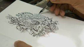 Zeichnende Gekritzellinie Kunst durch schwarze Tinte auf Papier lizenzfreie abbildung