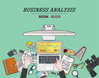 Zeichnendes flaches Designillustrations-Unternehmensanalysekonzept Konzepte für Netzfahnen und Promotionsmaterialien Stockfotos