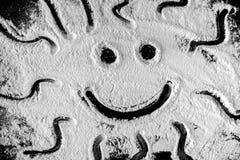 Zeichnung der glücklichen lächelnden Sonne lizenzfreie stockfotos