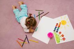 Zeichnung der Kinder lizenzfreie stockbilder