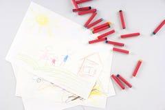 Zeichnung des Kindes der glücklichen Familie lizenzfreie stockfotografie