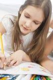 Zeichnung des kleinen Mädchens Lizenzfreies Stockbild