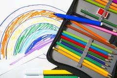 Zeichnungen und farbige Bleistifte Lizenzfreie Stockfotos