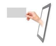 Zeigen der elektronischen Visitenkarte Stockbilder