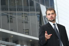 Zeigen des Geschäftsmannes Lizenzfreies Stockbild