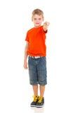 Zeigen des kleinen Jungen Lizenzfreies Stockfoto