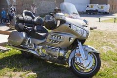 Zeigen Sie Motorräder NARVABIKE im Gebiet der Festung vom 18. Juli 2010 herein Narva, Estland Lizenzfreies Stockbild